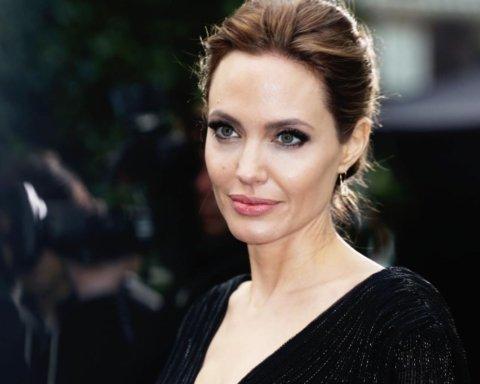 Джоли рассказала, чему учит своих детей