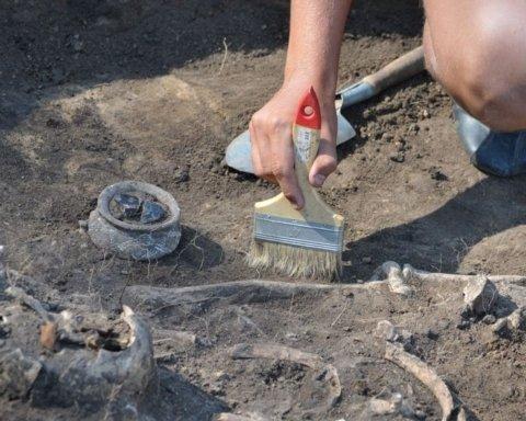 Археологи наткнулись на останки соратника Наполеона: кадры с места невероятной находки