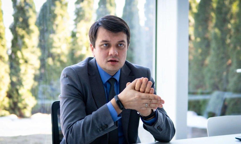 Лидер партии Зеленского пообещал нарушать закон о языке: скандальное заявление