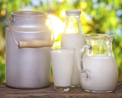Дієтологи розповіли, в якому віці вже час шукати замінник молока