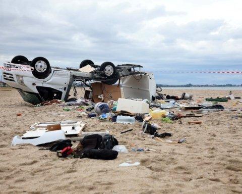 Смертельный Халкидики: появилось видео последствий ужасного шторма в Греции