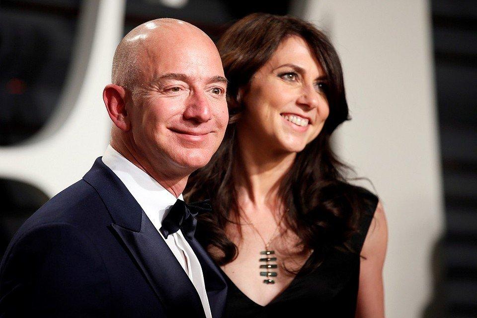 Зіркових холостяків стало більше: засновник Amazon розлучився