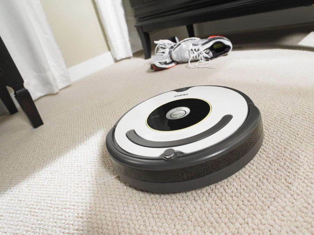 Робот-пылесос вместо уборки разнес фекалии по комнате