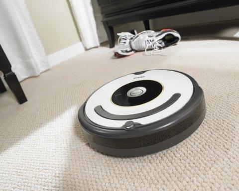 Робот-пилосос замість прибирання розніс фекалії по кімнаті