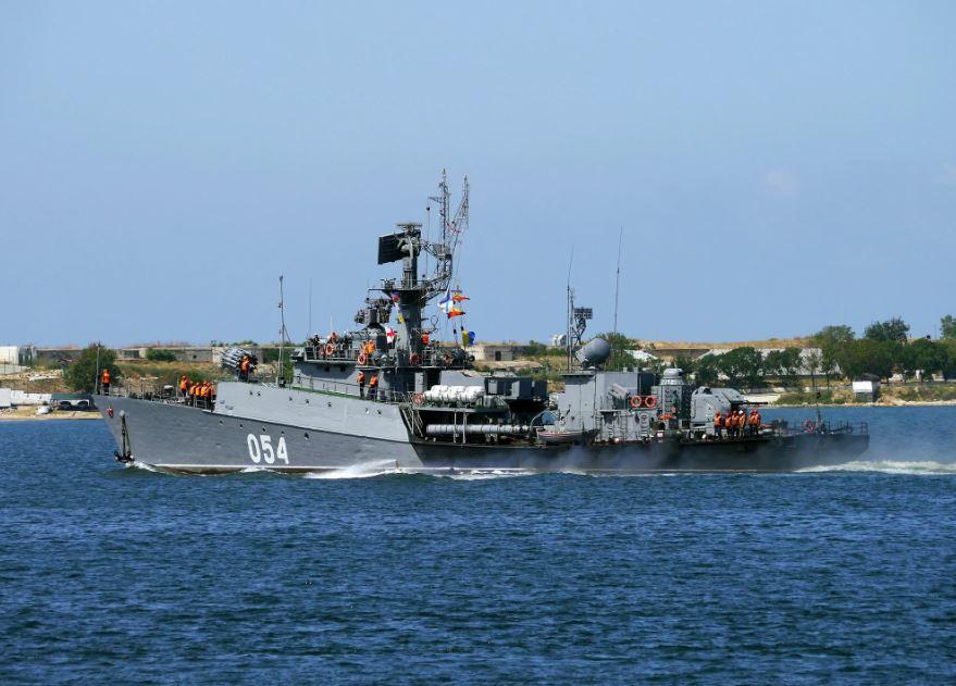 В Азовське море зайшло російське військове судно: перші подробиці