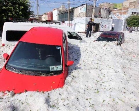 Мексиканське місто накрив шалений снігопад: шокуючі кадри потрапили в мережу