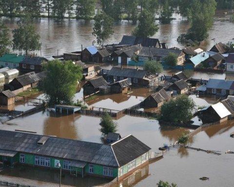 Российские чиновники решили дорушить тысячи домов, которые устояли после наводнения