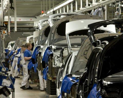 Украина умудрилась экспортировать автомобилей на $5 млн