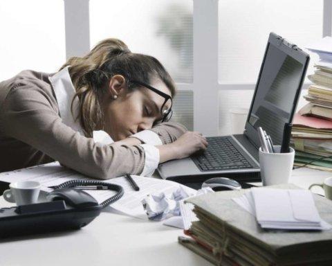 Лікарі розповіли, як компенсувати восьмигодинну сидячу роботу