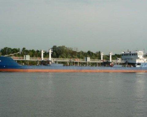 Механік затриманого танкера РФ розповів про чемних СБУшників