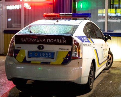 У Києві влаштували стрілянину в ресторані, є поранені: деталі та фото з місця НП