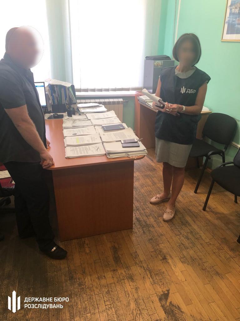 Чиновник Кличко чуть не зарегистрировал религиозную организацию за взятку: подробности