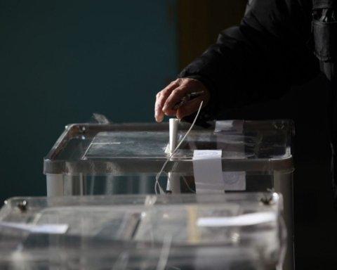 Внеочередные выборы в Раду: известны уже 83 мажоритарщика