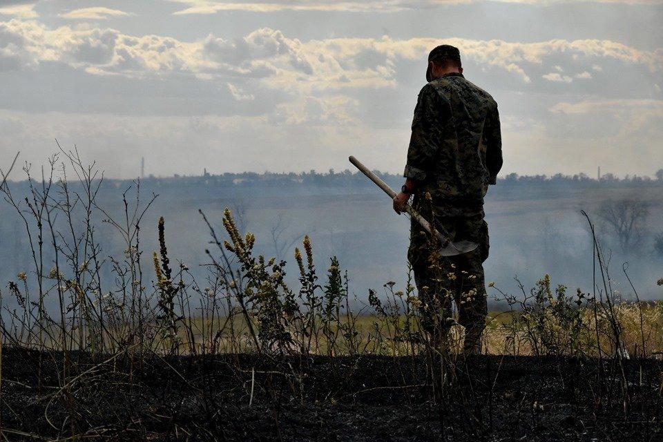 Боевики на Донбассе обстреляли позиции ВСУ из гранатометов и пулеметов