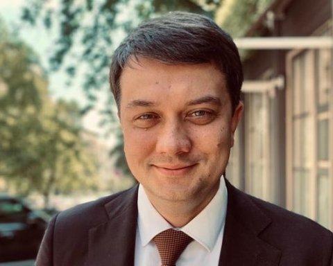 """""""Слуга народу"""" хоче коаліції тільки з однією політсилою – Разумков"""