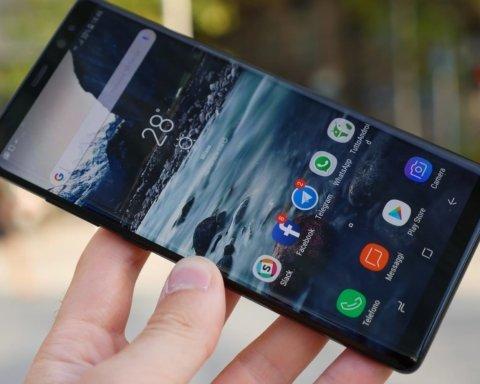 Эксперты назвали смартфоны из наиболее емкими аккумуляторами