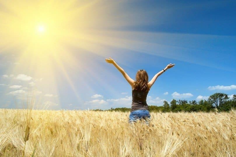 Вред солнца: кому и почему нельзя принимать солнечные ванны