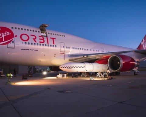 Virgin Orbit протестировала свою ракету, сбросив ее в пустыню с самолета: захватывающие снимки