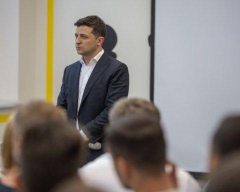 Зеленский придумал, чем ответить Путину на выдачу паспортов РФ на Донбассе