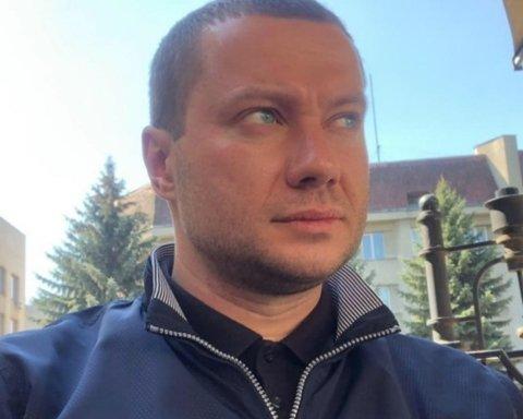 У колоні їхав губернатор Донеччини: перші фото з місця підбитого бойовиками авто ООС