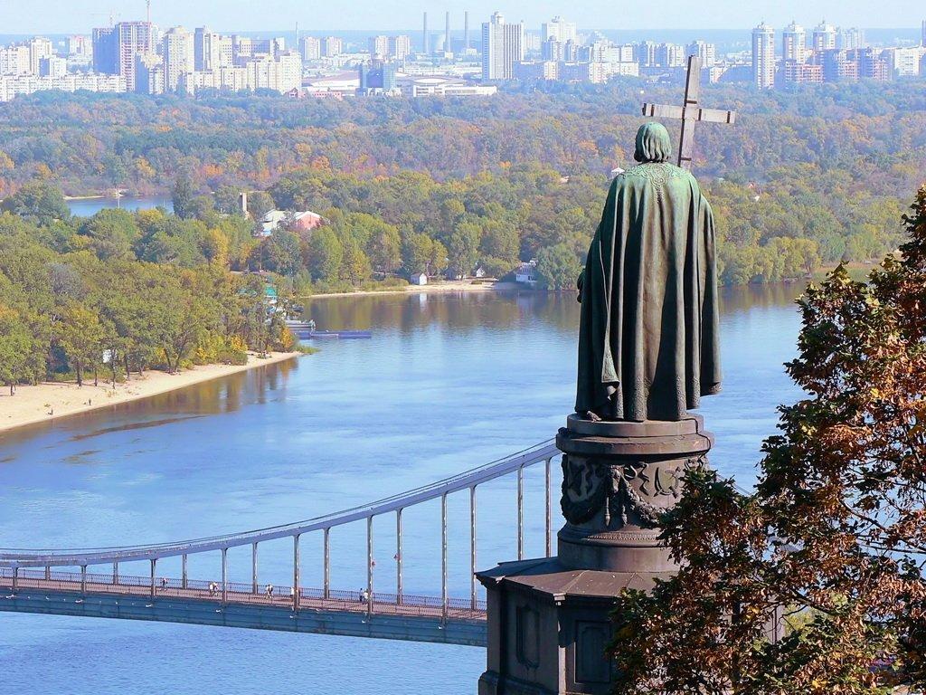 Дніпро стало холодним: у Києві зафіксували перший температурний антирекорд за літо