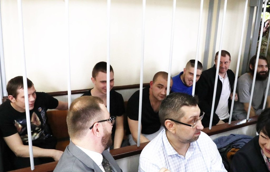 Апелюй, не апелюй: московський суд залишив українських моряків під вартою