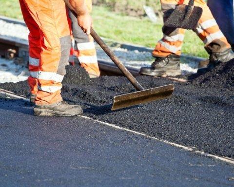 Стало відомо, скільки грошей і часу знадобиться на ремонт усіх доріг України