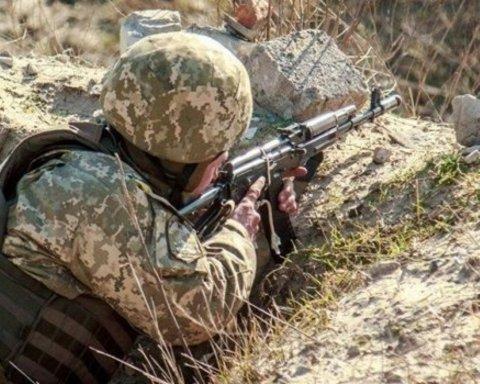 Сутки на фронте: боевики били из запрещенного оружия, в ВСУ есть раненые