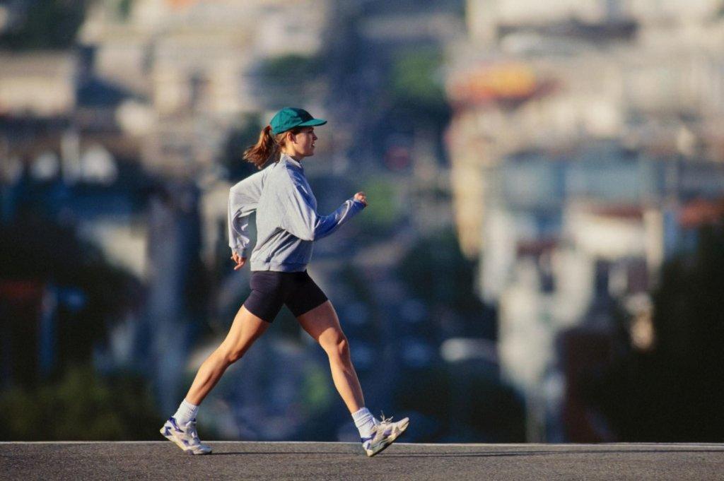 Медики розвіяли популярний міф про десять тисяч кроків: краще – більше