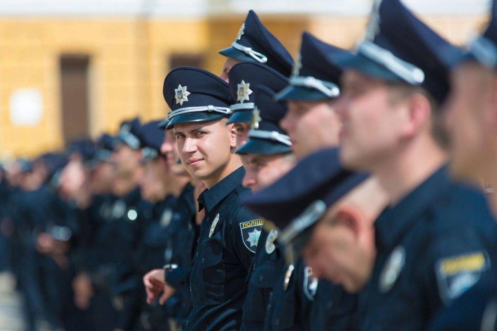 Полиция решила не оспаривать восстановление люстрированных коллег через суды