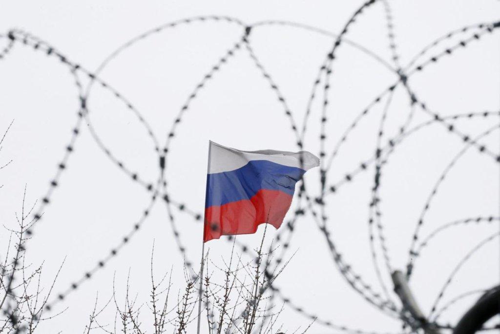У Миколаєві продають одяг з символікою Росії: скандальне відео