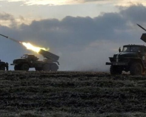 Боевики стягивают смертоносное оружие до границы с Украиной