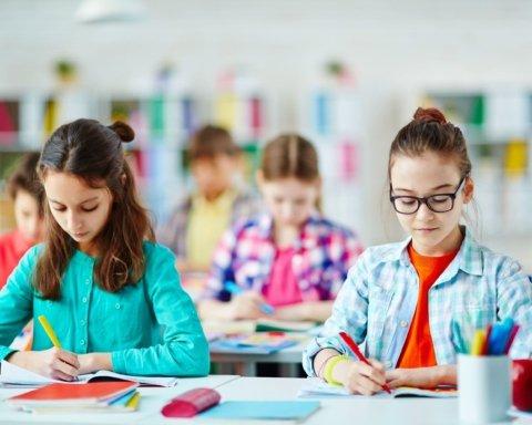 В украинских школах появится новая должность: как этот специалист поможет детям