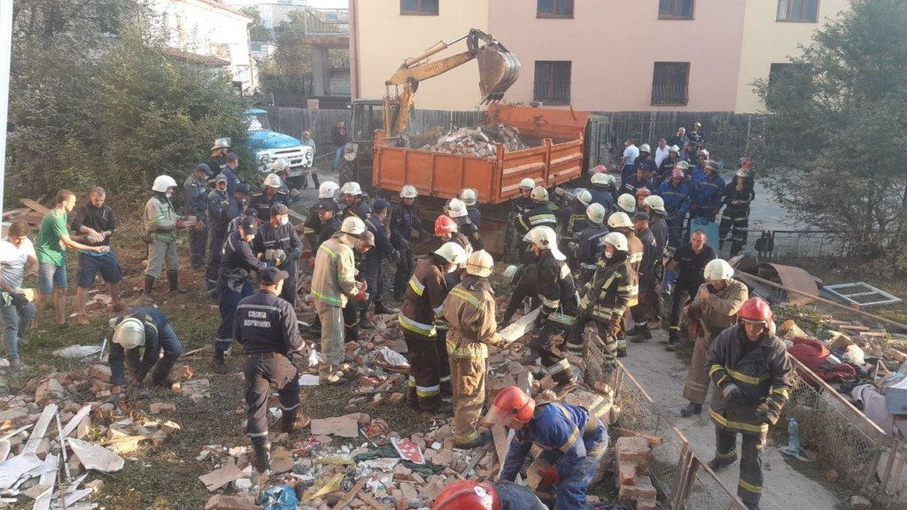 З-під завалів будинку у Дрогобичі дістали тіла восьми загиблих – ДСНС