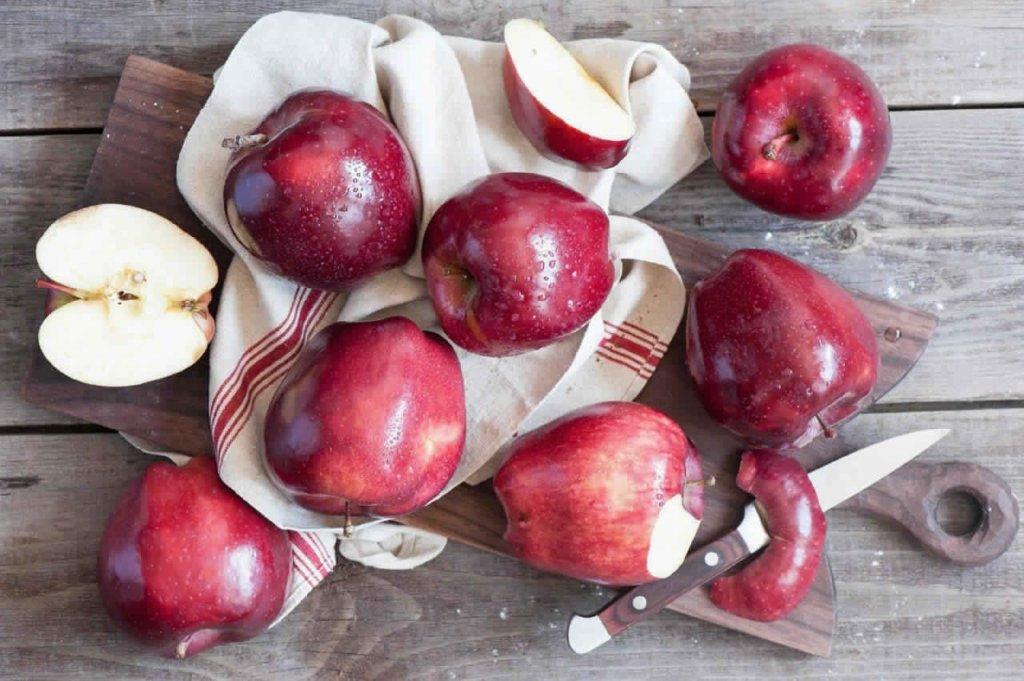 Врачи объяснили, почему необходимо есть яблоки ежедневно