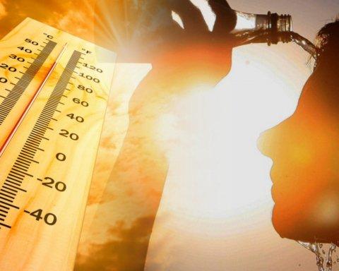 Аномальна спека та грози: синоптики дали прогноз до кінця літа