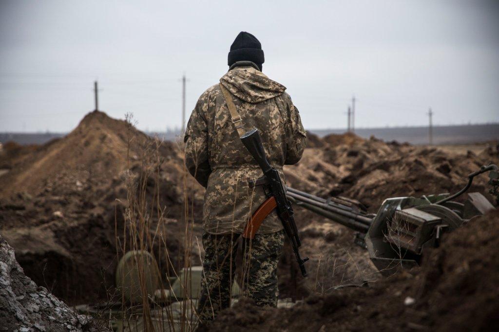 На Донбассе контужен украинский военный: подробности