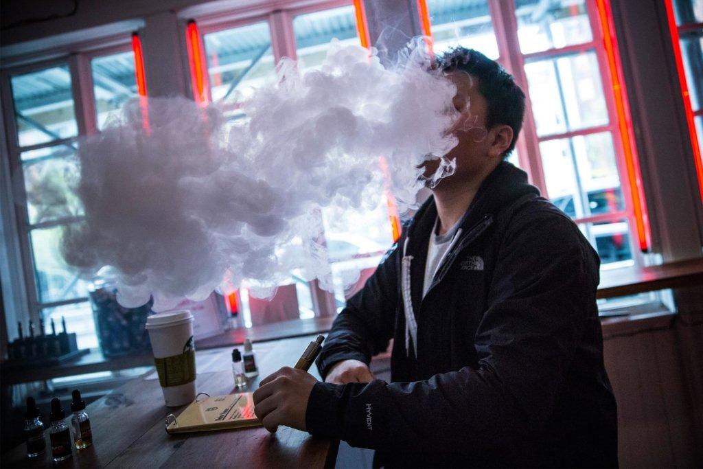 Все одно, що пачку цигарок на день: експерти пояснили, як це жити у місті