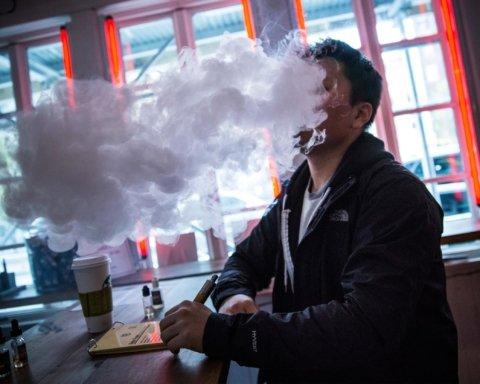 Курение кальяна и электронных сигарет увеличивает риск рака: пояснения эксперта ВОЗ