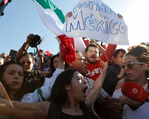 У Мексиці копи згвалтували двох підлітків: люди масово виходять на вулиці