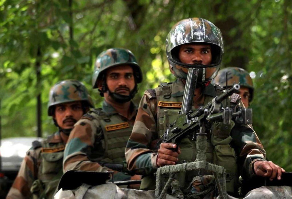 Индийские власти арестовали тысячи людей в одном из своих регионов: что происходит