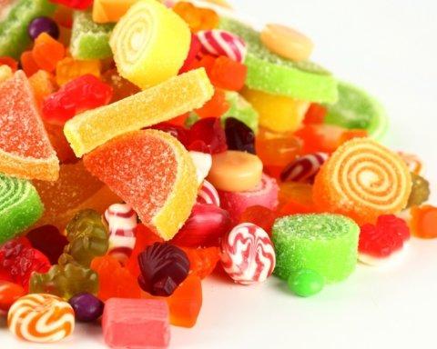 Хуже чем алкоголь: медики предупредили о влиянии сладостей на печень