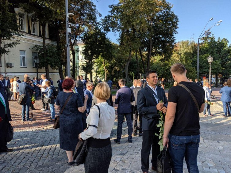 Известный ресторатор и нардеп-новичок Тищенко устроил стычку с журналисткой из-за Иловайска