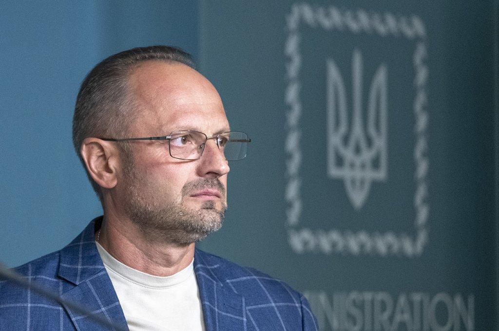 Зеленский уволил Безсмертного с должности представителя в ТКГ по Донбассу