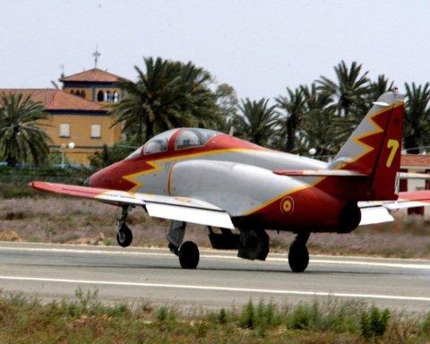 Літак ВПС Іспанії впав у море: загинув пілот