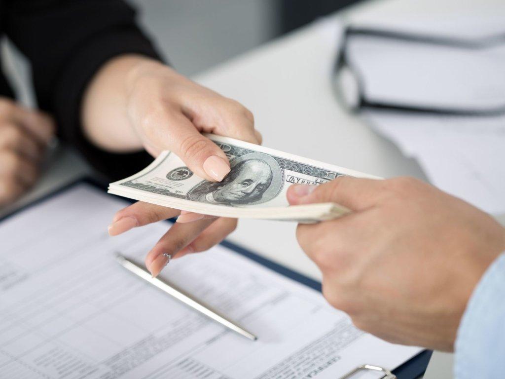 У 2021 році Україна віддасть МВФ грошей більше, ніж отримає