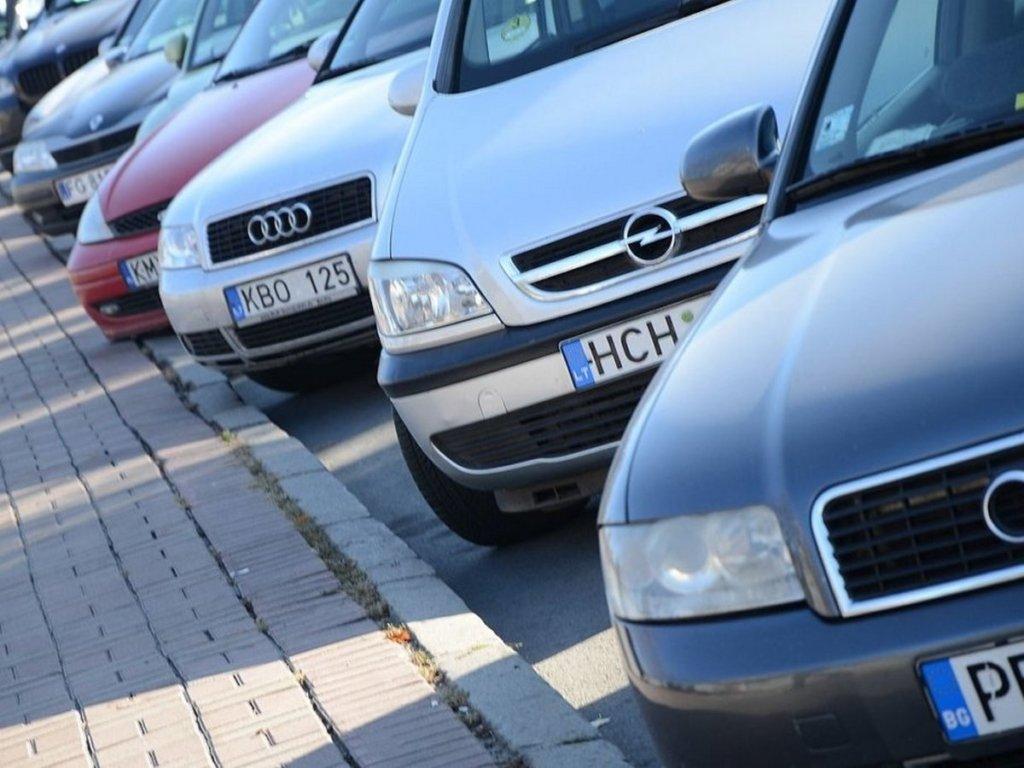 Владельцы «евроблях» смогут получить компенсацию за растаможку авто: что нужно знать