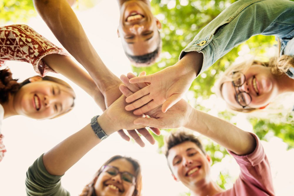 Сколько друзей нужно иметь, чтобы быть счастливым: ученые дали точный ответ