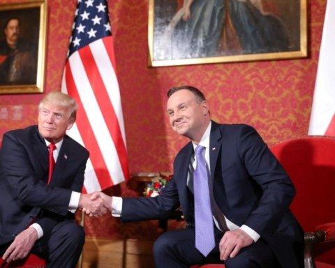 Польское руководство тоже вводит «безвиз», но с США