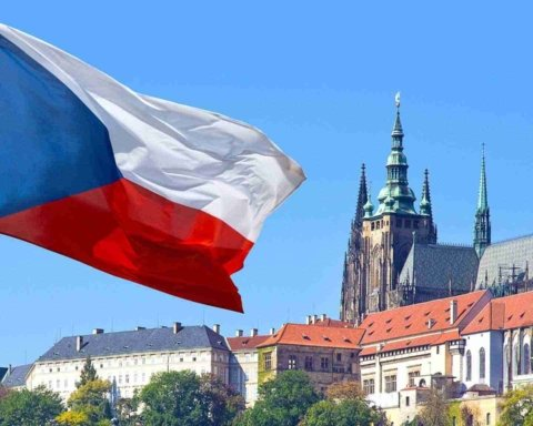 У Чехії суттєво змінили правила видачі робочих карт для громадян України